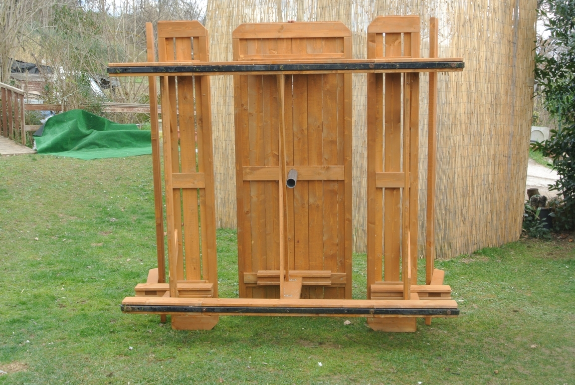 Tavoli in legno per giardino con panche tavolo da giardino in