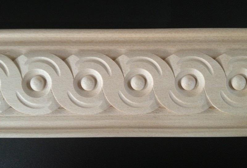 Cornici intagliate e scolpite in legno di faggio