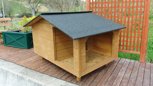 Cuccia per cani cuccia in legno per cani mod cesar con for Casette in legno per cani grandi