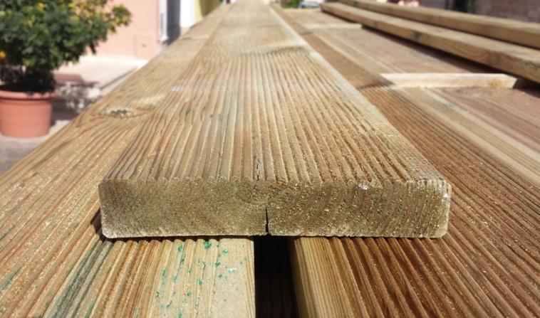 DECKING PAVIMENTO IN LEGNO : Pavimento in Legno per Esterno Decking in Pino - Listone da 1000 mm