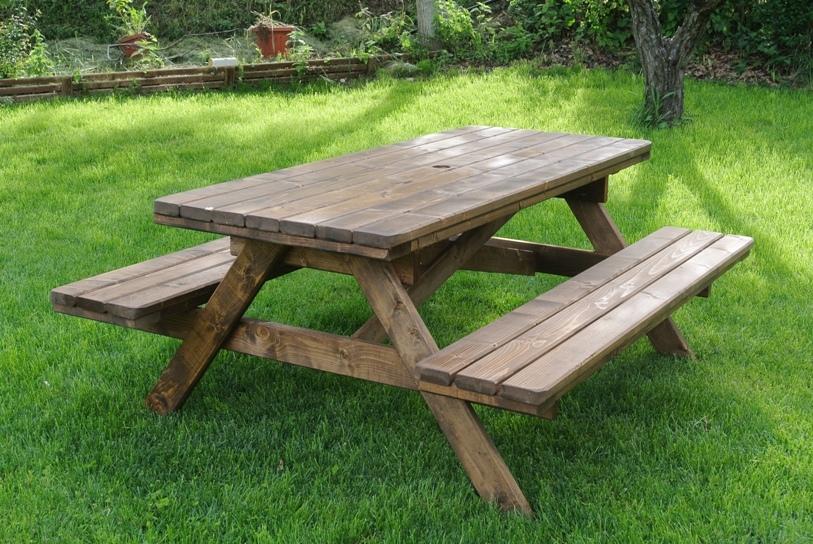 Tavoli in legno per giardino con panche tavolo da for Offerte tavoli da esterno