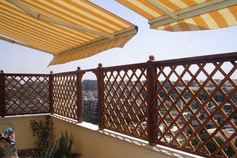 Grigliati in legno cornice terminale per grigliato in - Barriere antirumore per terrazzi ...
