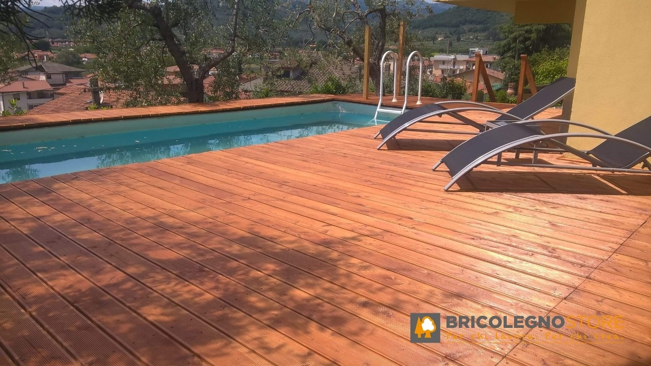 Decking pavimento in legno pavimento in legno per esterno decking in larice siberiano - Pavimento esterno finto legno ...