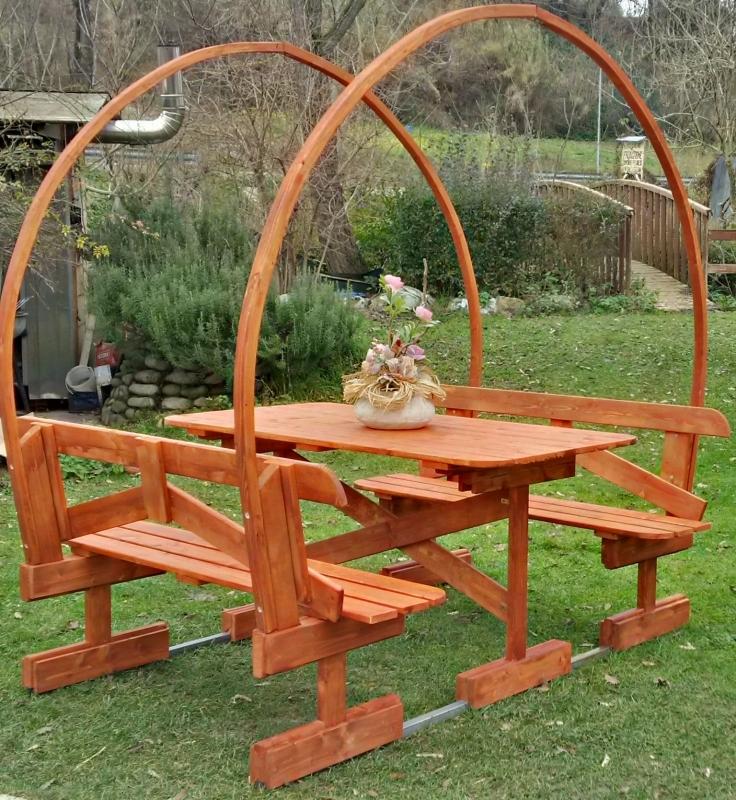 Tavoli in legno per giardino con panche tavolo da giardino in legno con panche e copertura mod - Tavolo legno giardino ...