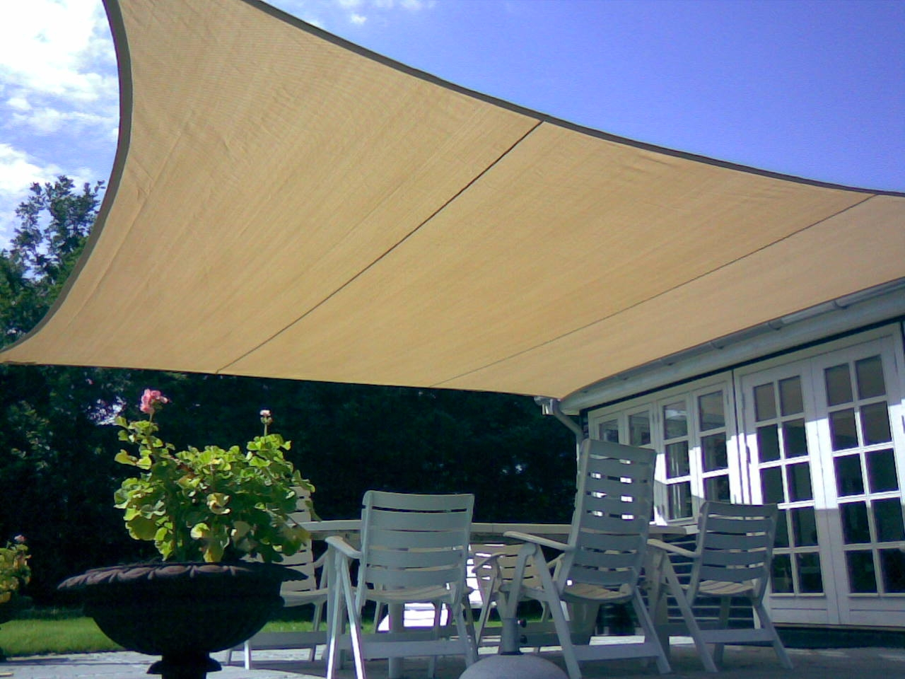Tende arelle in canne di bamboo tenda a vela quadrata for Tenda vela ikea